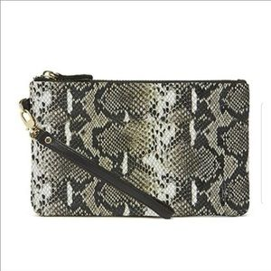 New Mighty Purse Snake Charges Phone on the go NWT